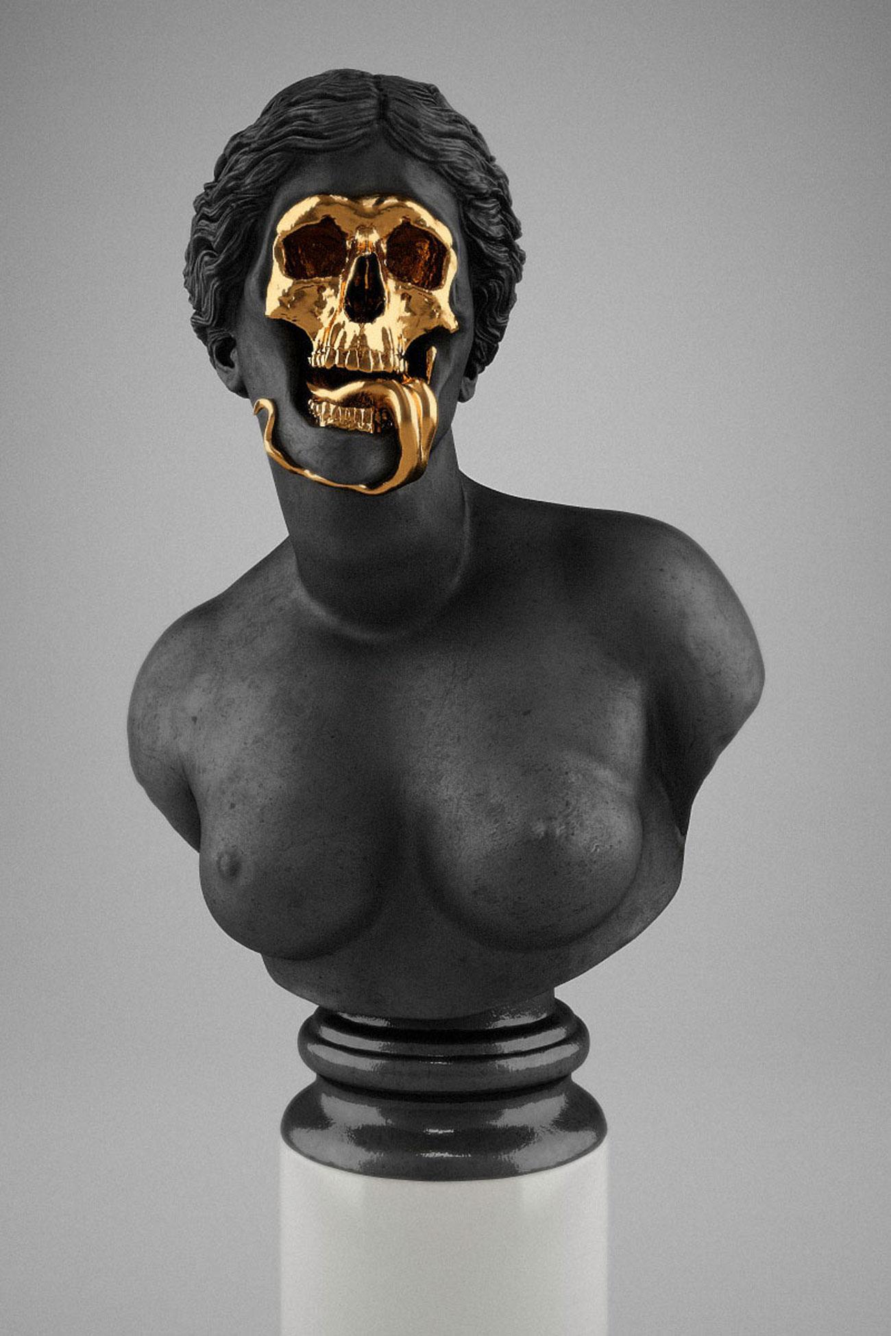 Hedi Xandt skullptures woman