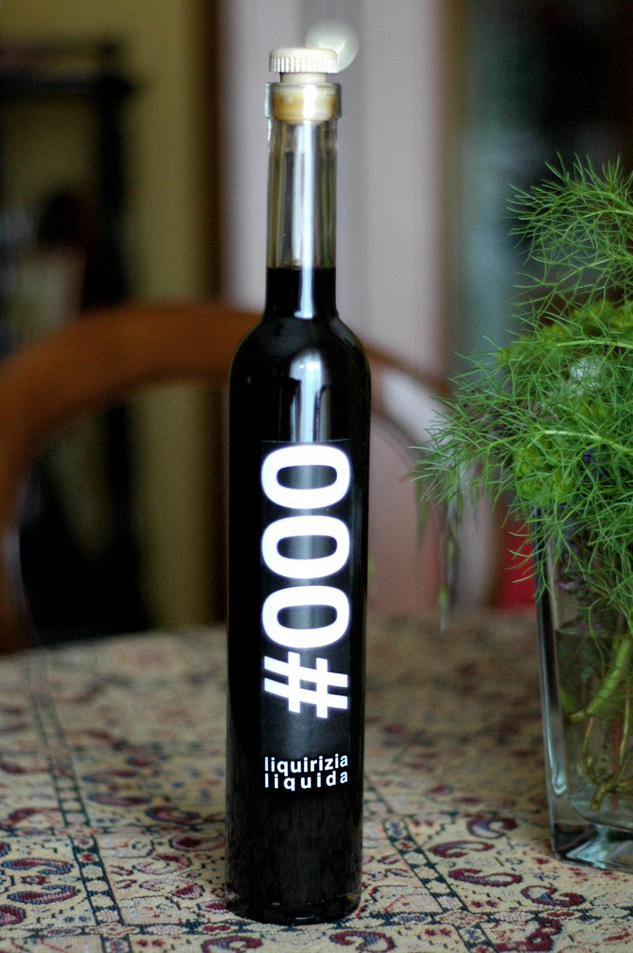 #000 liquore liquirizia