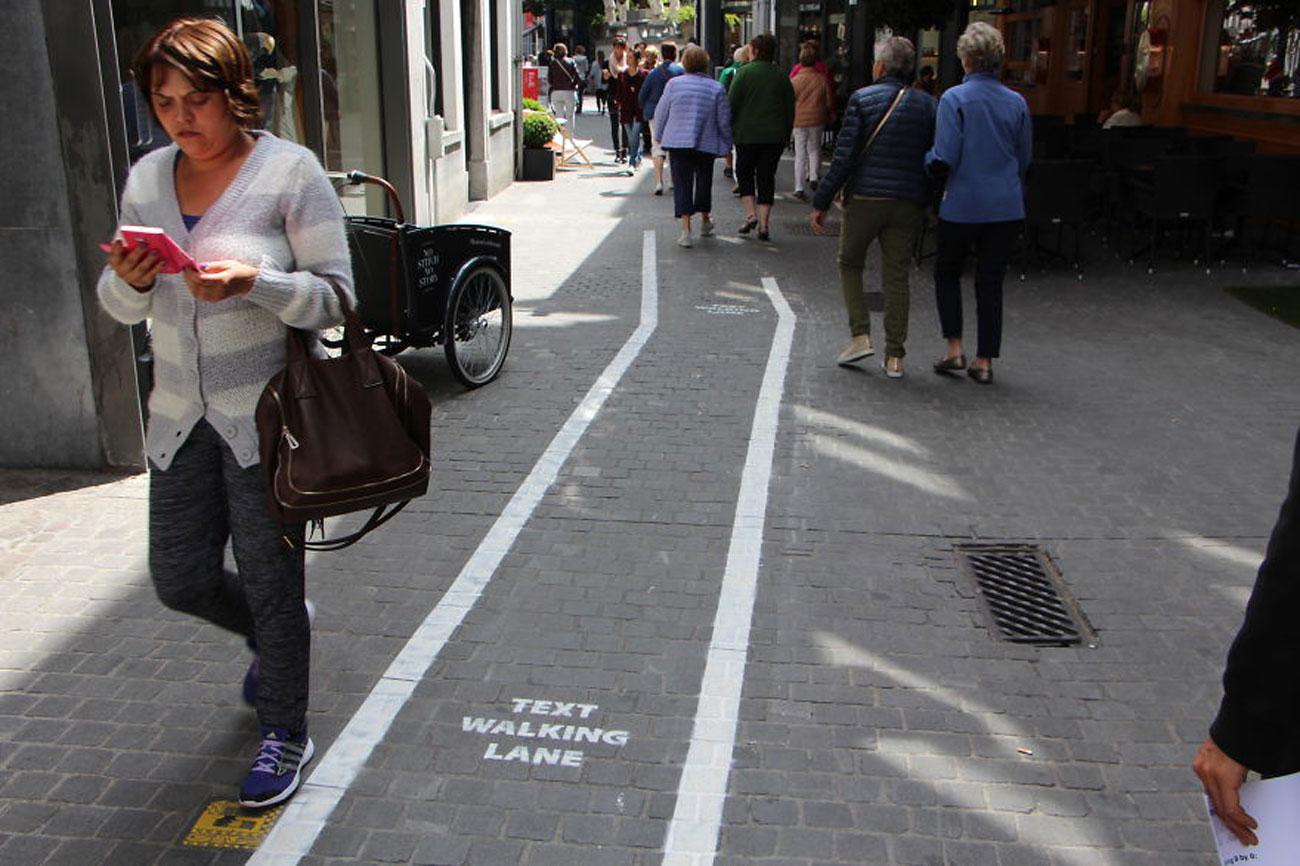 text walking lane