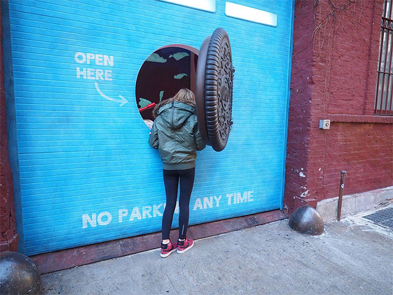 Oreo Wonder Vault open